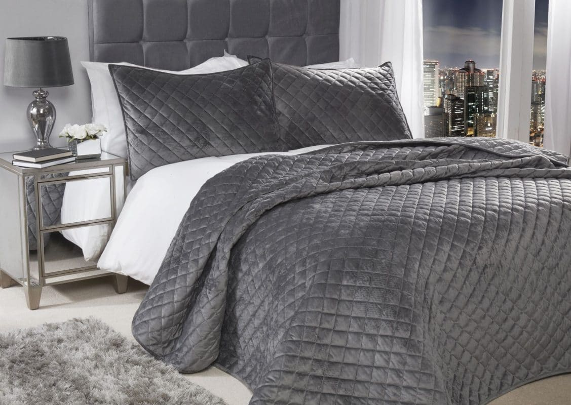 Quilted Soft Touch Velvet Bedspread Set in Silver